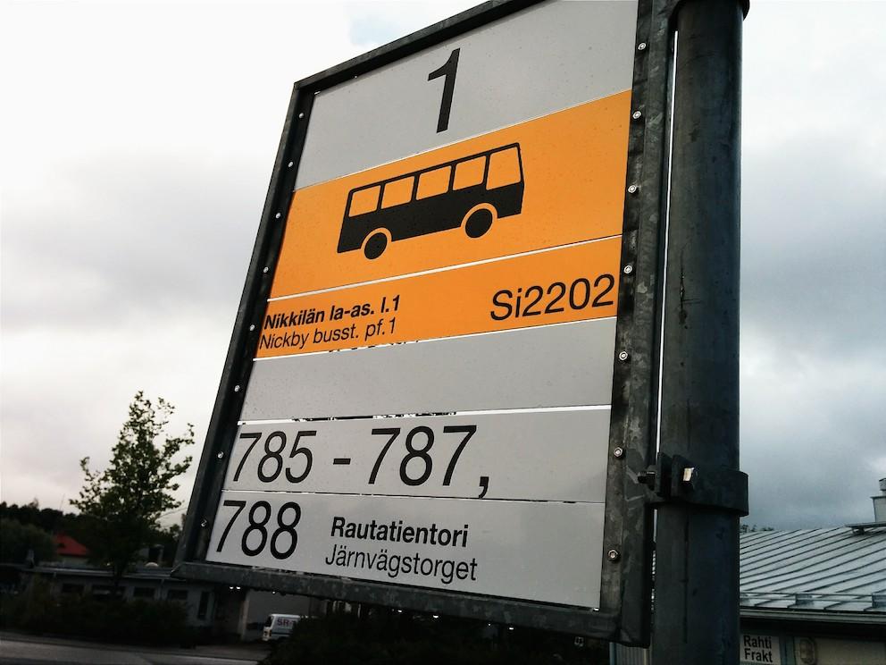 """I reseplaneraren gäller det att veta exakt vad hållplatsen heter. Här på Nickby busstation """"Si2202""""."""